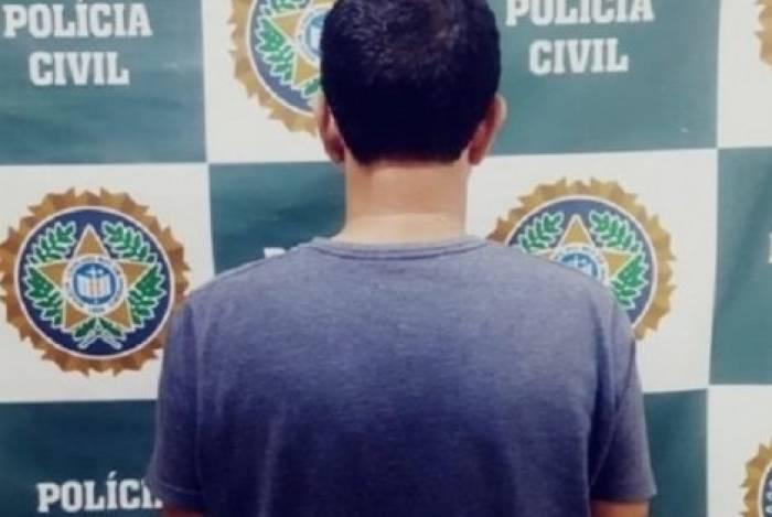 Paulo Rangel se entregou à polícia na delegacia de Itaperuna e confessou o assassinato da ex-mulher, a professora Regiane da Silva Santos