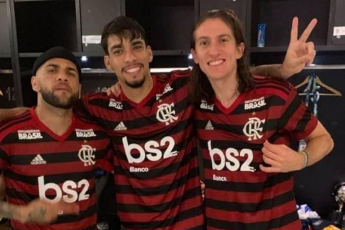 Daniel Alves, Lucas Paquetá e Filipe Luís