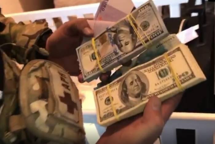 Agentes apreenderam dinheiro, cocaína e duas pistolas com italianos