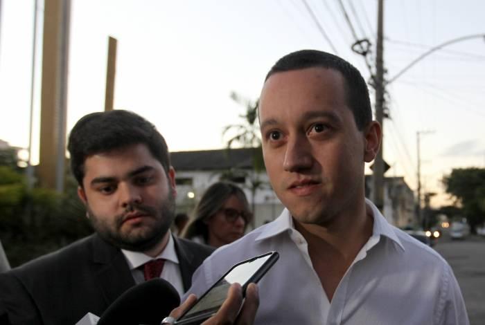 Responsável por alugar maquinário, Rafael Maia Martins deixa 25ª DP (Engenho Novo) após prestar depoimento por quase quatro horas