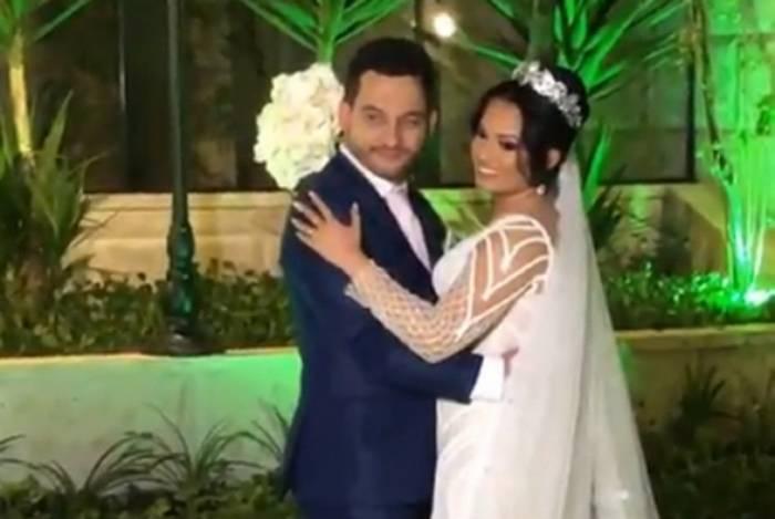Natália Saraff, filha de Joelma, se casa com festão para 300 convidados em São Paulo