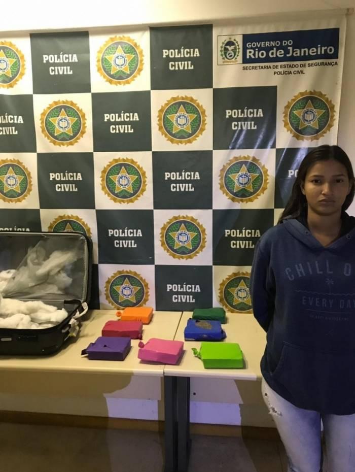 Raiany Fonseca foi presa no desembraque do Santos Dumont
