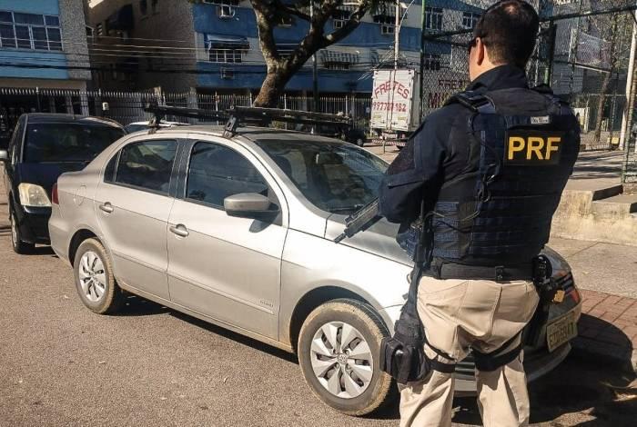 PRF recuperou carro e motorista foi preso por receptação