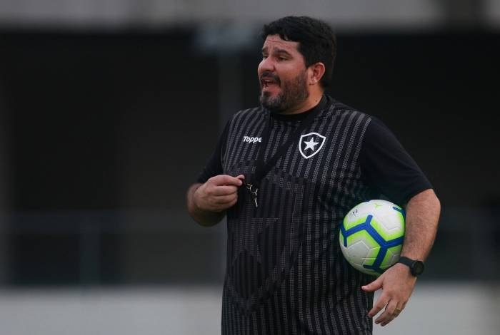 Barroca está tendo semana cheia para ajustar o time no Brasileiro