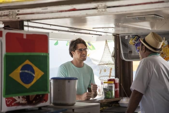 O português Zé Maria/Jorge Monforte (Diogo Morgado) chega ao Brasil e busca por vingança