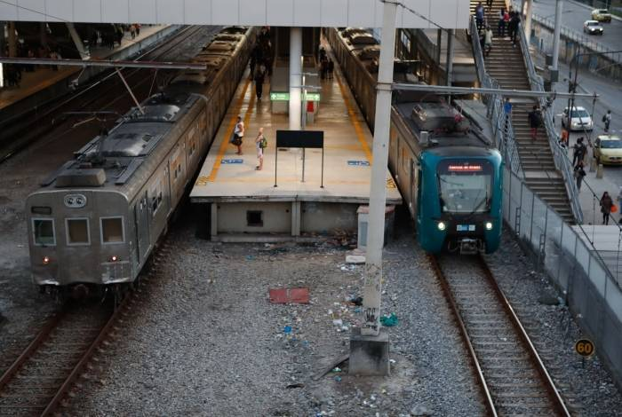 Rio, 11/07/2019, Violencia no trajeto dos trens ramais Gramacho e Belford Roxo, na foto estacao Sao Cristovao, Foto de Gilvan de Souza / Agencia O Dia