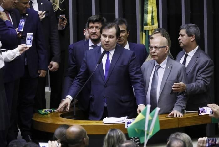 Sob desconfiança do Governo, Maia já determinou o início das discussões da Reforma Tributária em comissão especial