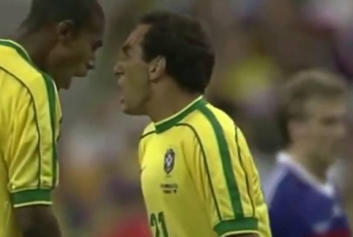 Edmundo se irritou com Rivaldo na final da Copa do Mundo