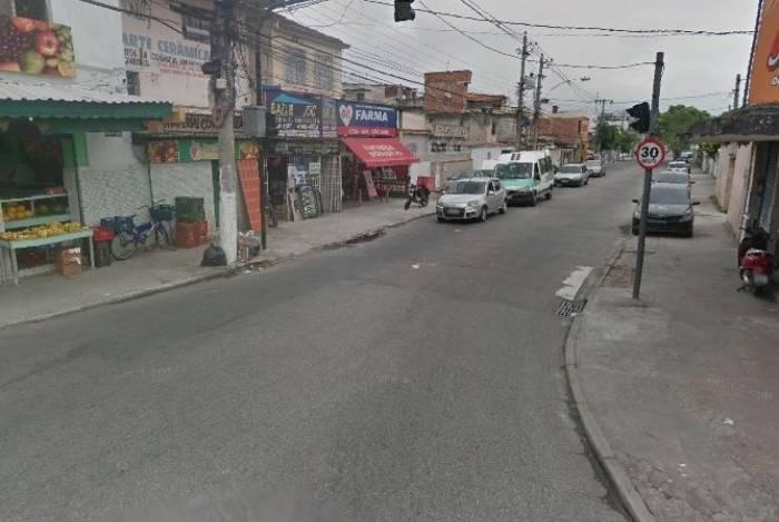 Tiroteio aconteceu na esquina da Rua Divisória com a Rua Mariana, em Bento Ribeiro, Zona Norte do Rio