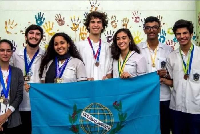 Pelo segundo ano consecutivo, alunos do Colégio Pedro II Humaitá II são convidados a participar da Asia International Mathematical Olympiad (AIMO)