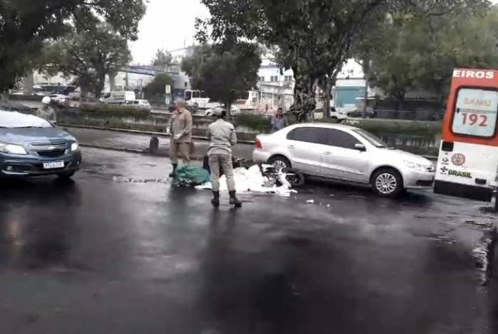 Homem morre ao ser atropelado na Avenida Francisco Bicalho