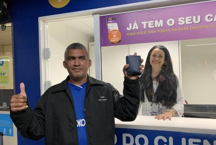 Porteiro comemorou ter carteira entregue após 15 dias: mais de R$ 2 mil recuperados