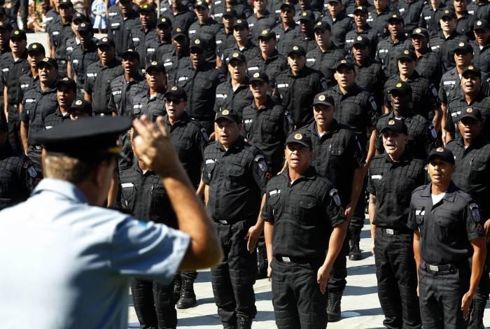 Policiais militares e bombeiros passarão a contribuir para a previdência com percentual menor