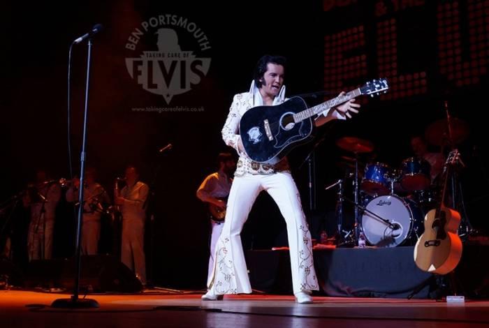 Espetáculo em tributo a Elvis Presley