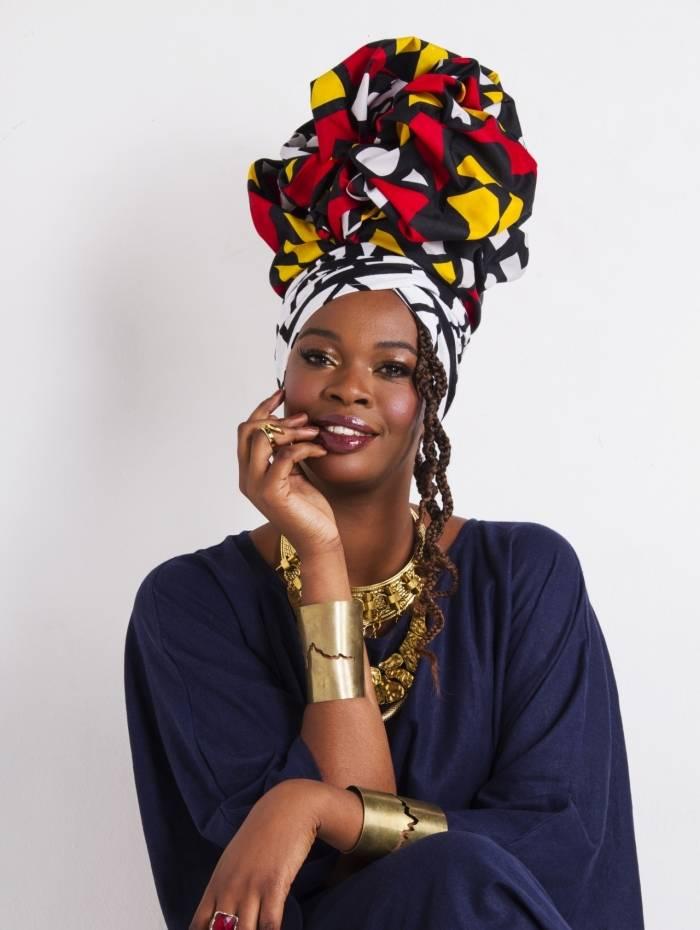 Noemia Oliveira em ensaio especial em comemorando o Dia Internacional da Mulher Negra, Latino-Americana e Caribenha