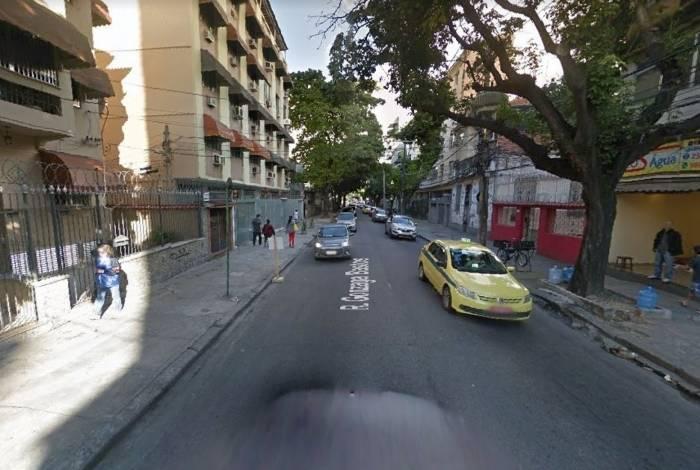 Frequentadores de academia foi assaltada na Rua Gonzaga Bastos, em Vila Isabel