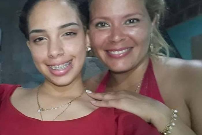 Lindsay de Almeida Reis e a mãe, Lucina Almeida da Silva, morreram no ataque