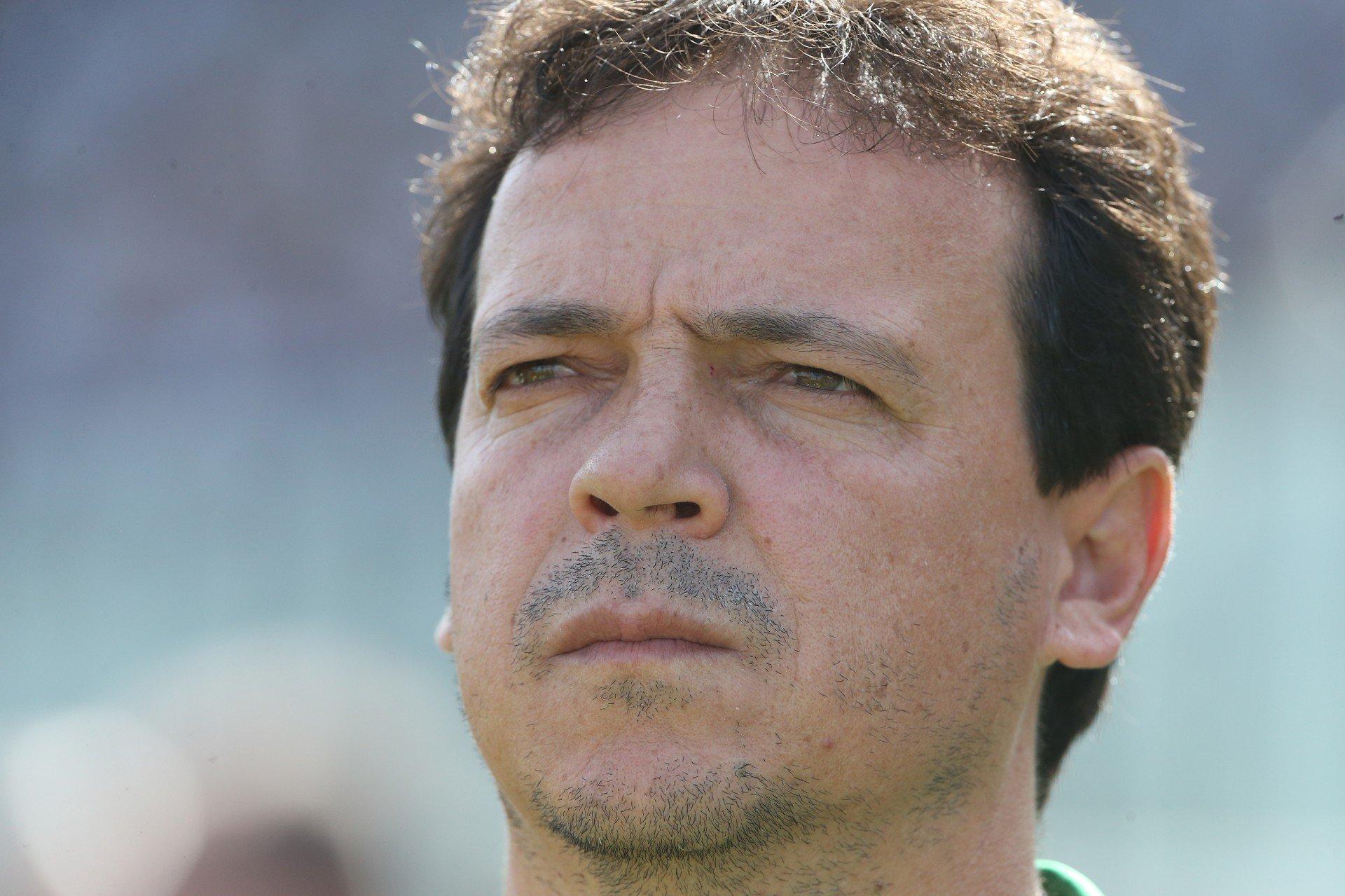Santos anuncia a demissão de Fernando Diniz