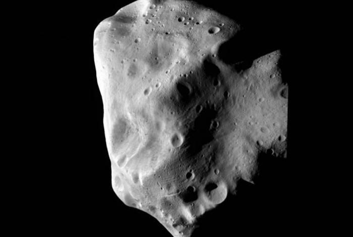 Asteroide passou 'perto' da Terra