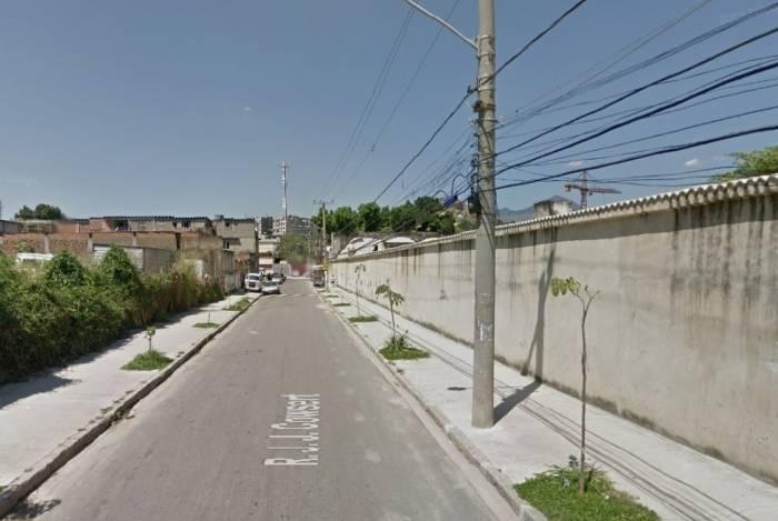 Rua J. J. Cowsert, onde ocorreu o confronto, em Inhaúma