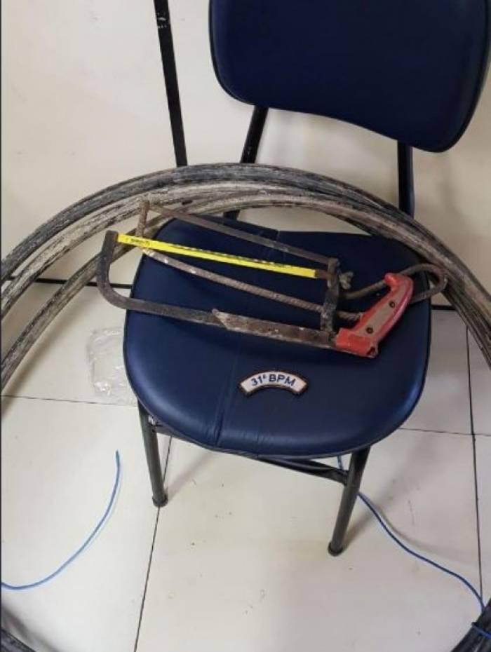 Policiais militares do 31ºBPM (Recreio) detiveram três homens após furto de um rolo de cobre de aproximadamente 50 kg em uma construção na Barra da Tijuca