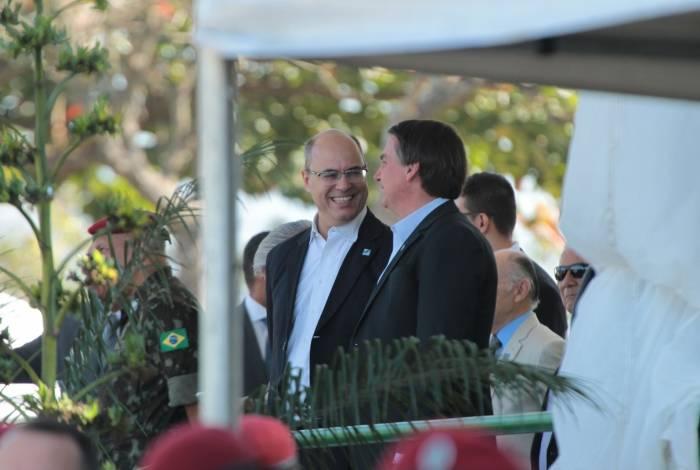 Witzel sorri para Jair Bolsonaro em recente evento na Vila Militar