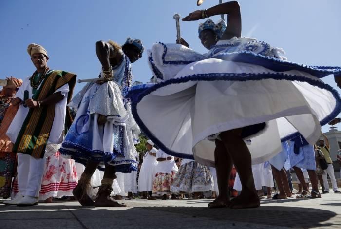 Música e dança marcam a oitava Lavagem do Cais do Valongo, na Zona Portuária do Rio