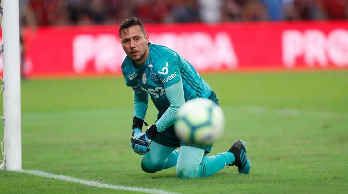 Diego Alves segue longe de acertar renovação com o Flamengo