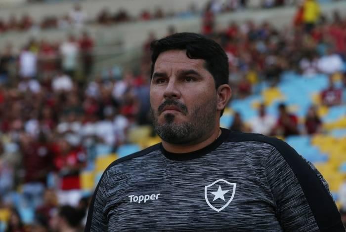 Barroca vem sendo cada vez mais pressionado no comando do Botafogo