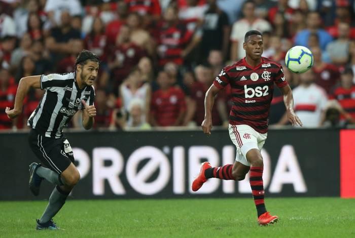 2018-07-28 - Flamengo x Botafogo se enfrentam pela 12 rodada do Campeonato Brasileiro, no Maracanã. Na foto Marcinho e Lucas Silva. Foto: Daniel Castelo Branco / Agencia O Dia