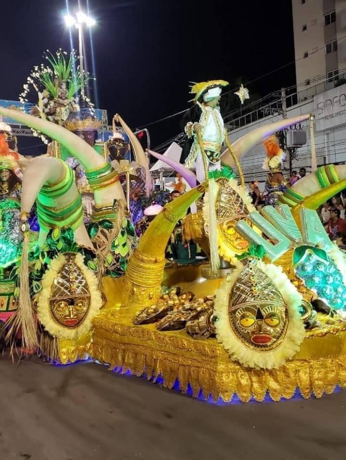 Desfiles da Liesb reúnem 350 mil pessoas na Intendente Magalhães