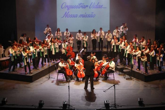 Teatro Trianon comemora 21 anos com espetáculos teatrais e de música