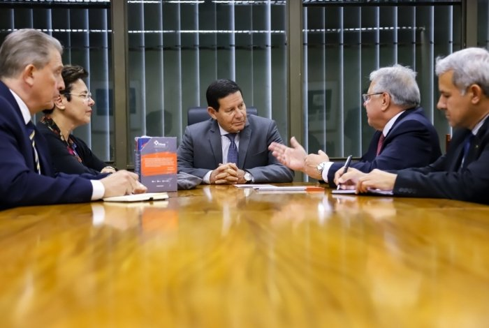 Marcio Coriolano se encontra com vice-presidente Hamilton Mourão em Brasília