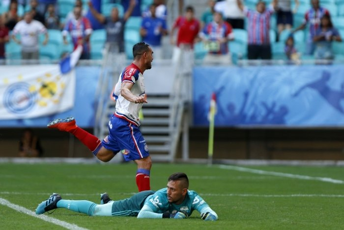 Gilberto fez três gols no Flamengo