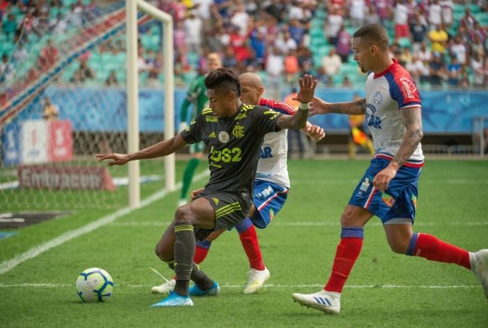 Bruno Henrique não levou perigo à meta do Bahia