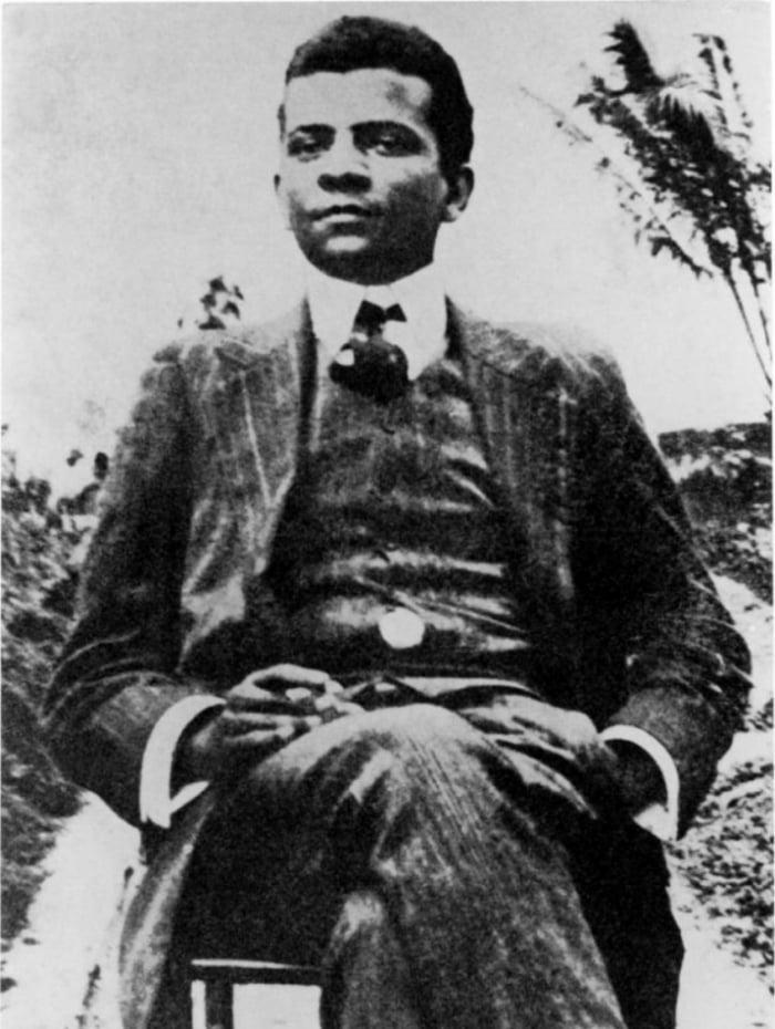 O escritor Lima Barreto nasceu no dia 13 de maio de 1881 e o Rio de Janeiro foi cenário de suas obras