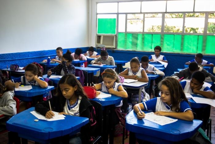 Alunos participam da Prova Macaé no Colégio Letícia Pessanha.