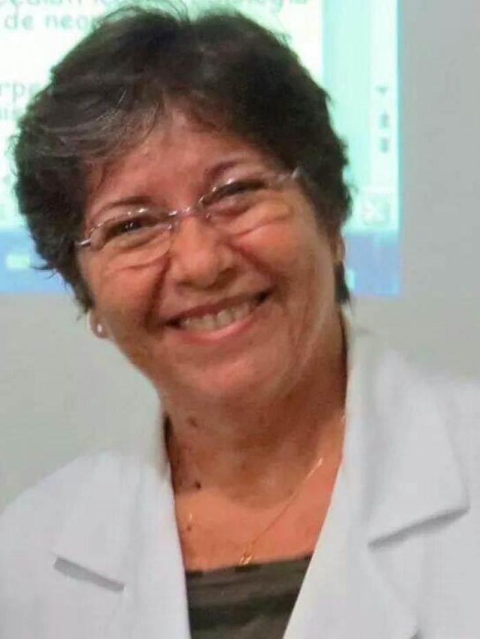 Dra. Carmen F. Elias