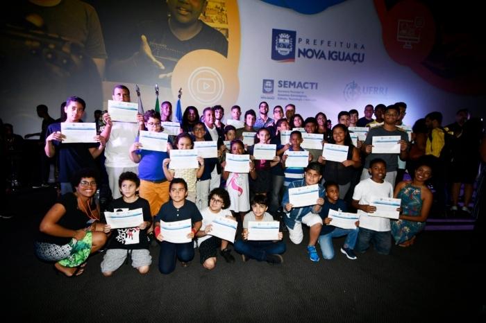 Formandos de cursos oferecidos nas Casas da Inovação