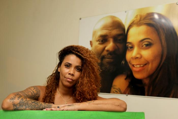 Rio de Janeiro - 08/08/2019 - Família do Mr. Catra. Na foto acima, Silvia Catra, esposa. Foto: Luciano Belford/Agência O Dia