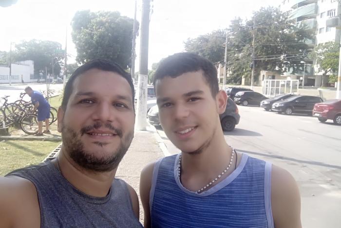 Samuel Abugoche e o filho Lucas, 14 anos - Aventuras Maternas
