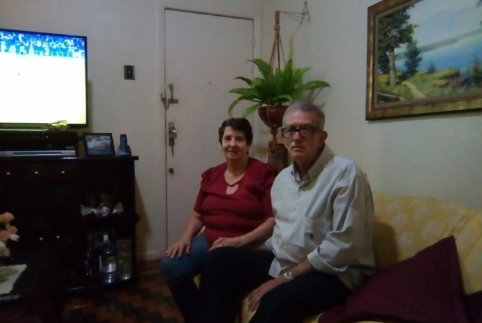 Os pais de André Luiz de Souza, Alamir e Arlete,não migraram de plano de saúde no tempo certo e perderam isenção por idade.