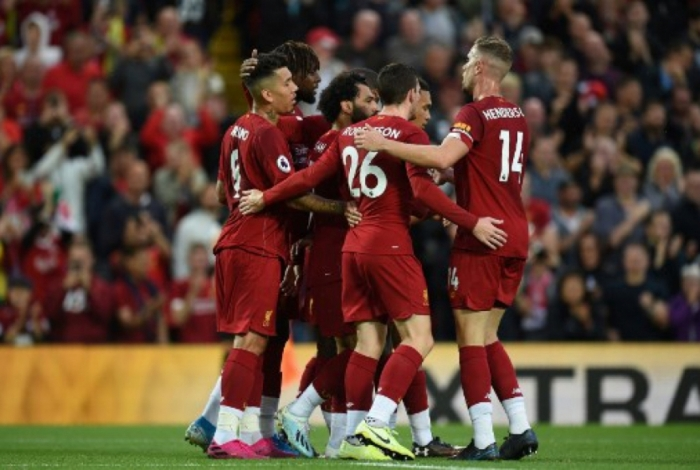 Liverpool atropelou o Norwich no primeiro jogo oficial da temporada
