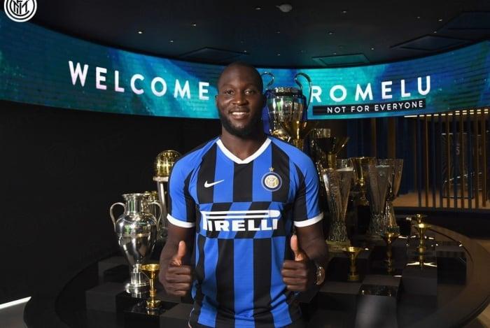 Jogador vestirá a camisa 9 da equipe italiana