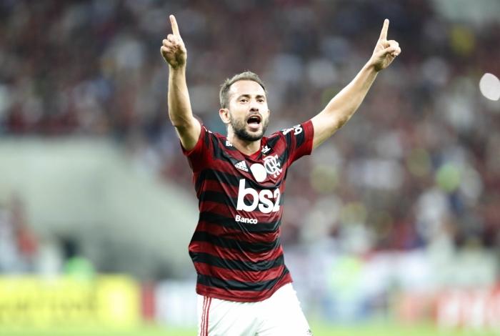 Poupado, o meia Everton Ribeiro entrou no segundo tempo e fechou o triunfo da equipe rubro-negra
