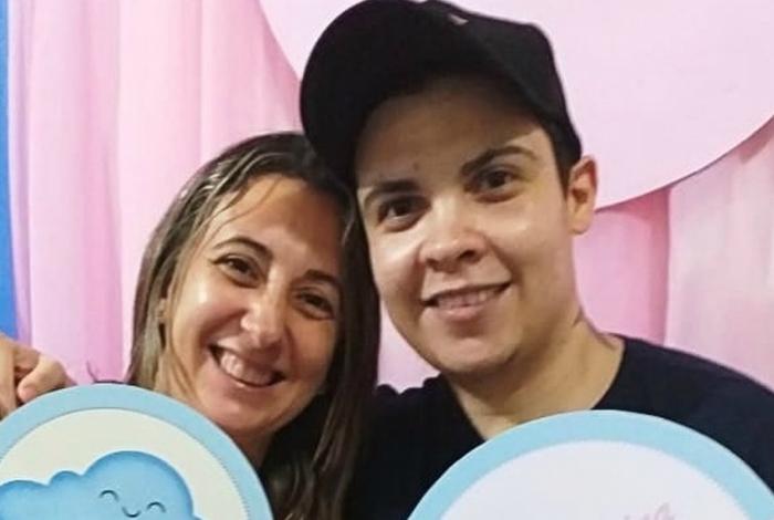Homem trans engravida para viver sonho de casal