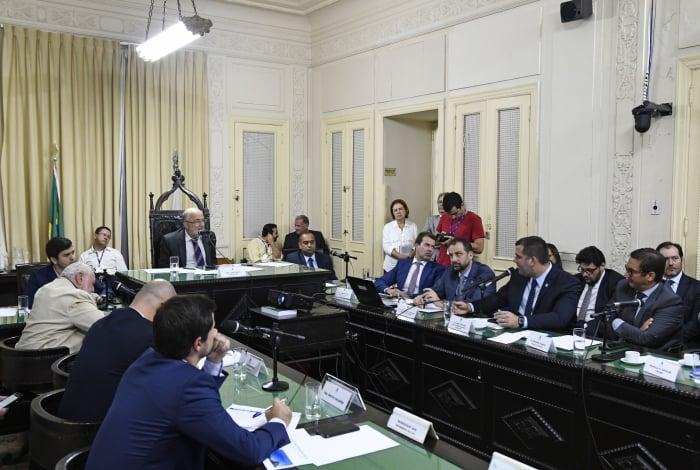 O secretário de Fazenda, Luiz Cláudio Carvalho, apresentou os cálculos em reunião da CPI da Crise Fiscal