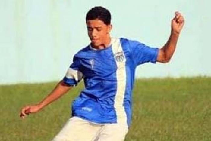 Dyogo Xavier em campo: ele foi morto em Niterói quando ia para o treino no América