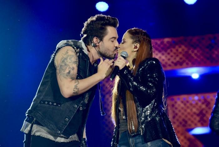 Fernando e Maiara beijaram muito durante gravação do DVD 'Isso é churrasco'