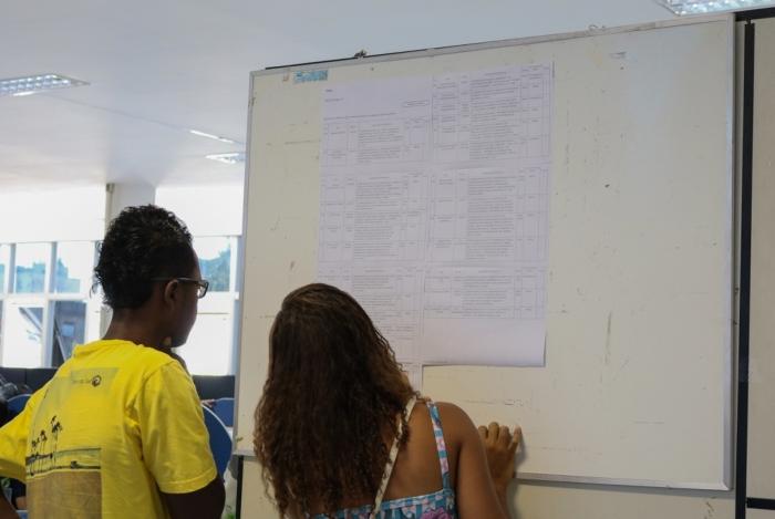O Espaço da Oportunidade, que fica sobre a Rodoviária Roberto Silveira, em Campos, facilita o processo de recolocação de quem está à procura de emprego